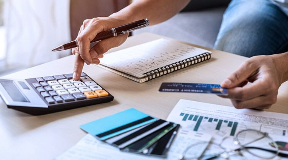 4 Reasons To Consider Filing for Bankruptcy